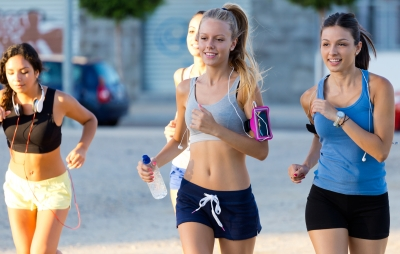 4 Reasons Why Running is Good for Your Body - girls running